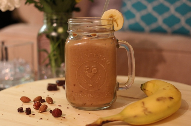 Creamy Peanut Butter Chocolate Banana Smoothie